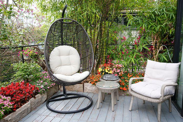 Egg hangstoel voor buiten van Feel Furniture (195 cm hoog)