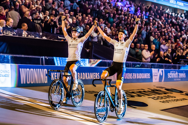 Wooning Zesdaagse in Rotterdam Ahoy (2 p.)