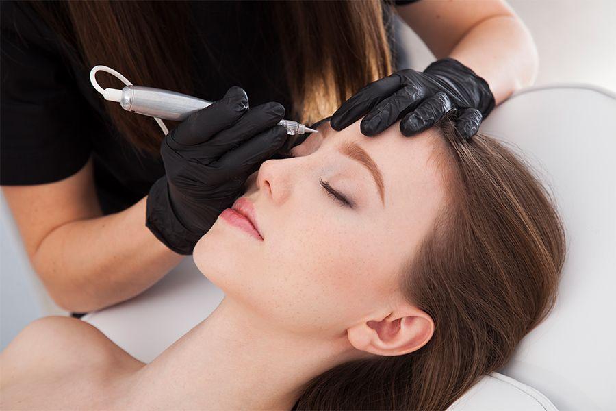 Permanente make-up voor je wenkbrauwen bij SkinTouch