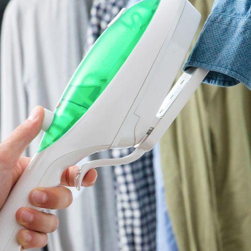 2-in-1 strijkijzer en kledingstoomreiniger
