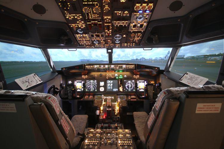 Vliegen in een Boeing 737-simulator in Hoofddorp
