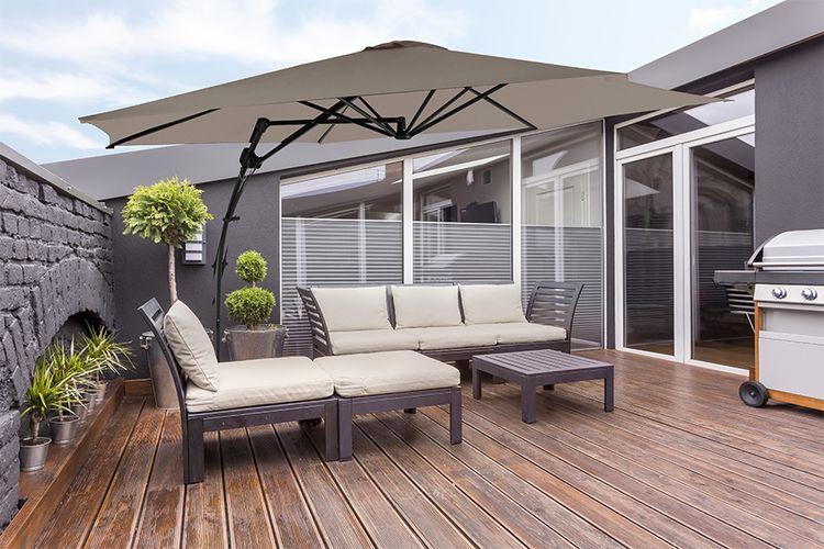 Taupe zweefparasol van Feel Furniture (� 300cm)