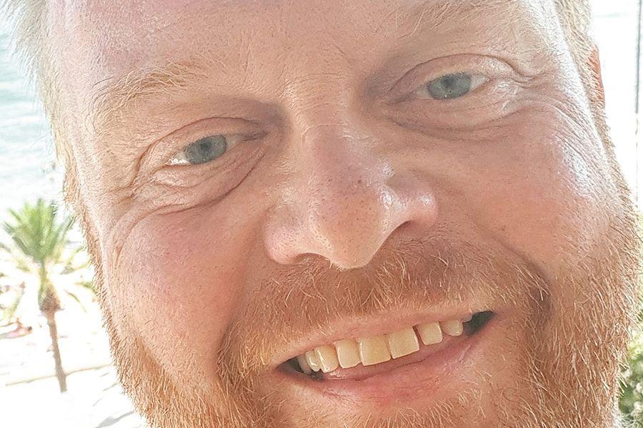 Trouwceremonie met Frits Huffnagel als trouwambtenaar