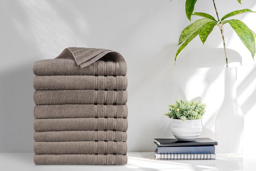 8 luxe taupe handdoeken van EMSA Bedding (50 x 100 cm)
