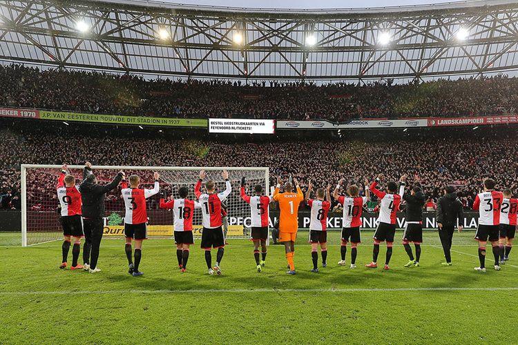 2 tickets voor Feyenoord - Angers SCO