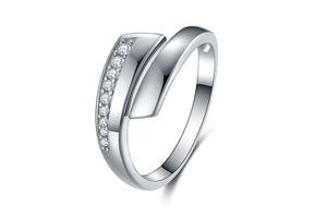 Sterling zilveren ring met zirkonia's van Di Lusso