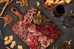 Delicatessenpakket met Italiaanse en Spaanse vleeswaren