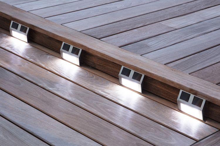 Korting 4 led buitenlampen op zonne energie