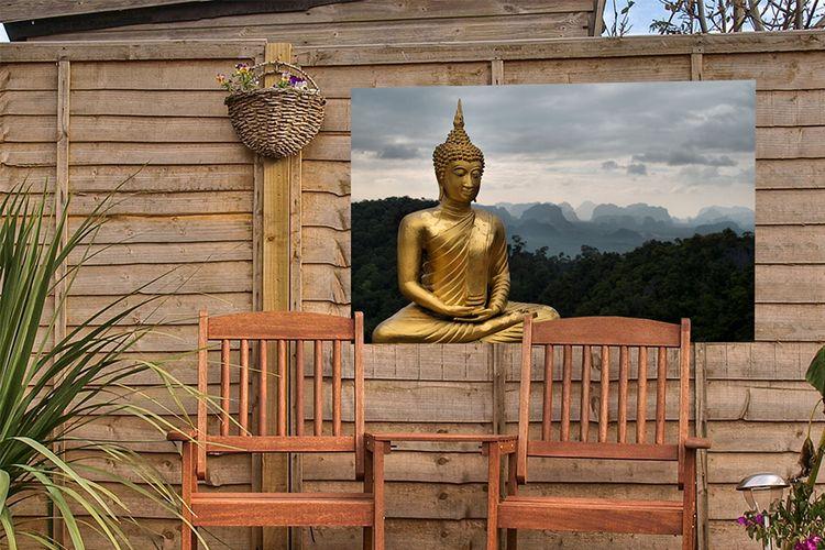 Boeddha op een tuinposter 90 x 60 cm (19 varianten)
